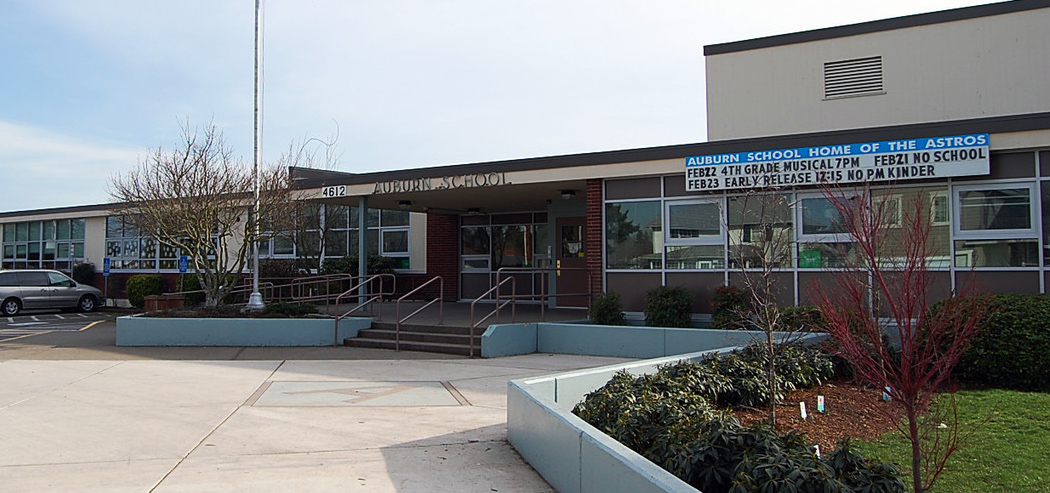 Auburn Elementary building exterior